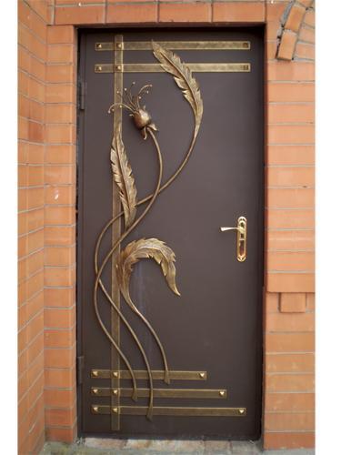 металлическая дверь с художественной ковкой
