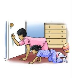 Научите детей, что делать в случае пожара. Например, нужно держать голову близко к полу, чтобы избежать вдыхания дыма. Не нужно брать руками дверную ручку, так как она может быть горячей.